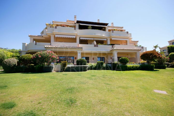 Beautiful 2 bedroom ground floor apartment for sale in Capanes del Golf