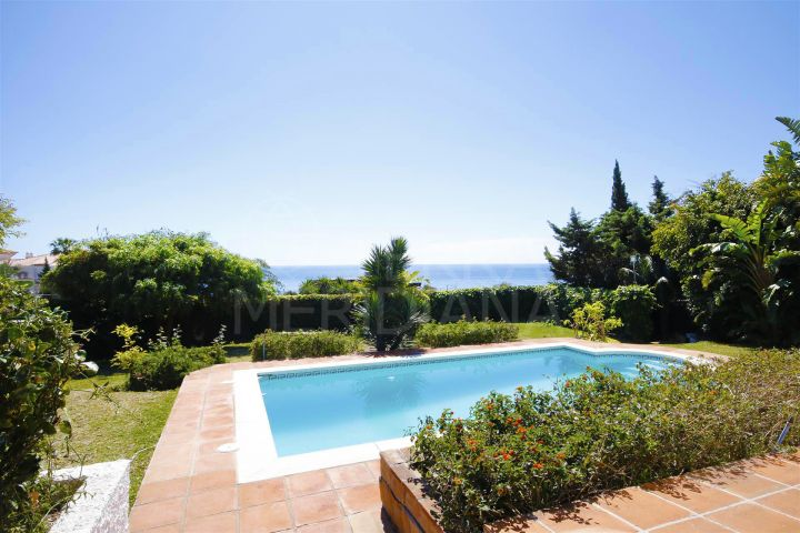 Villa for sale on a large plot in Buenas Noches, Estepona, with superb sea views