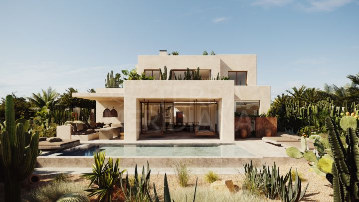 Exquisitely designed turnkey landmark luxury villa 5 minutes walk from the beach for sale in Los Monteros Playa, Marbella East