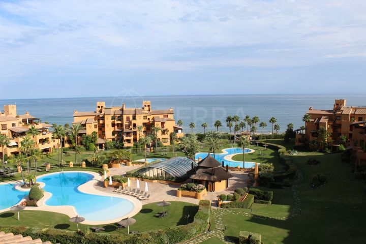 Sophisticated duplex penthouse with private pool in the exclusive beachfront complex of Los Granados del Mar, Estepona