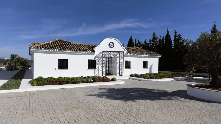 Upgraded cortijo style villa with sea views for sale in Cancelada, New Golden Mile, Estepona