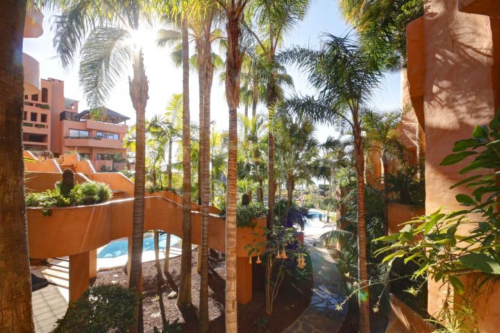 Excellent value and excellently located studio in The Kempinski Hotel, Estepona