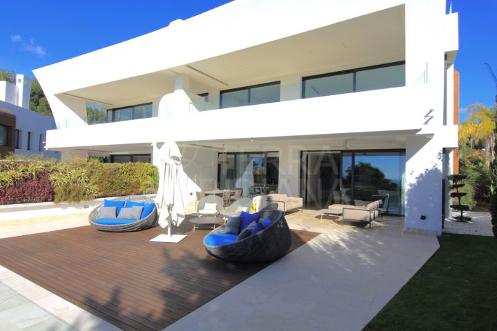 Modern garden apartment with sea views and cinema room for rent in the luxury development of Reserva de Sierra Blanca, Marbella Golden Mile