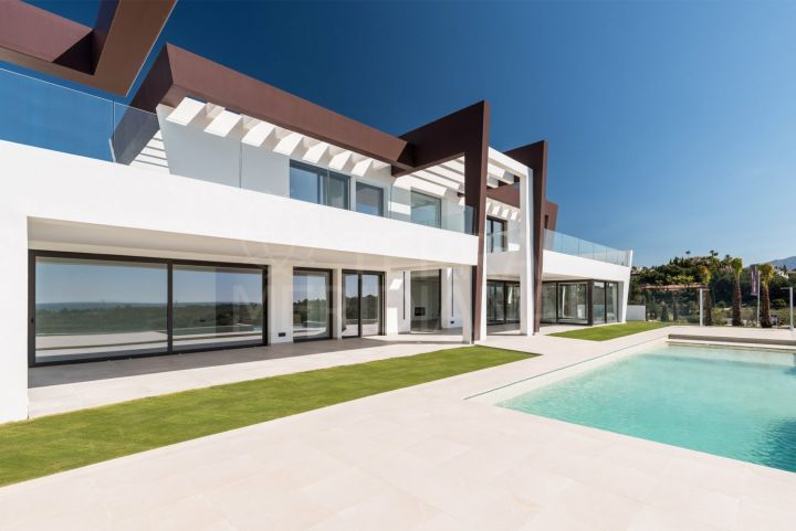 Landmark luxury contemporary style villa for sale in Los Flamingos, Benahavis