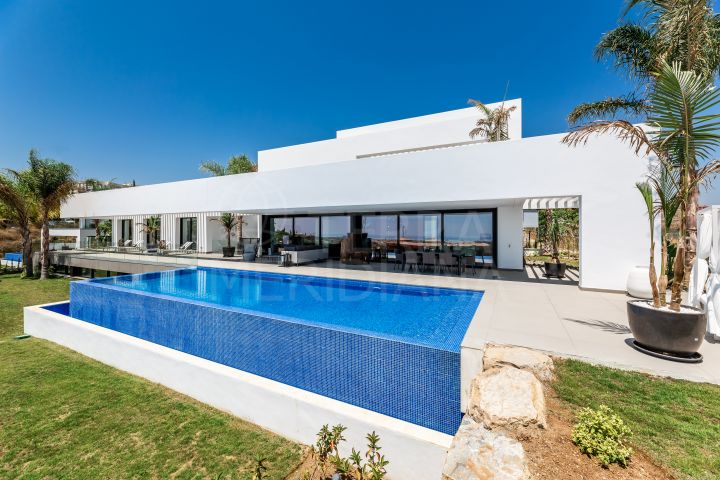 Brand new villa with captivating sea views for sale in Los Flamingos, Benahavis