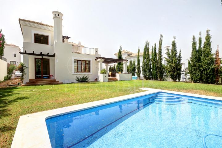 Large Villa for sale in La Resina Golf Complex, Estepona, with private swimming pool and garden