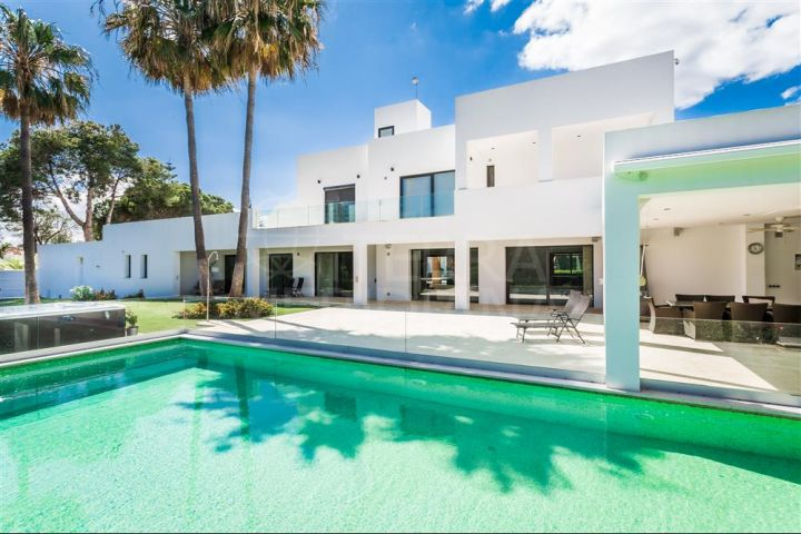 Exceptional modern beachside villa with guest apartment for sale in Atalaya, Estepona