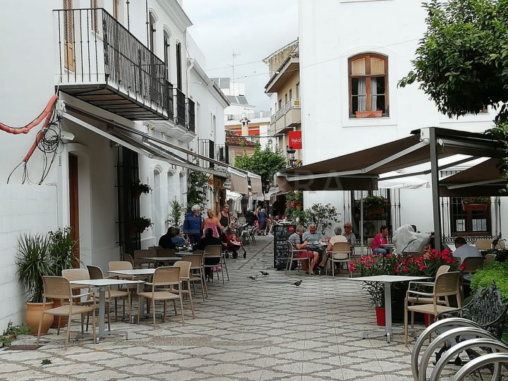 Fully reformed ground floor apartment for sale in the heart of the old town centre of Estepona
