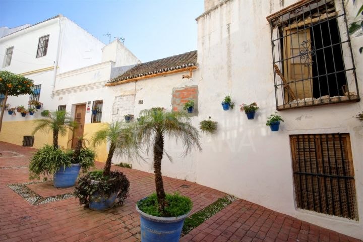 Development opportunity, plot for sale in Estepona old town 100 metres from the beach