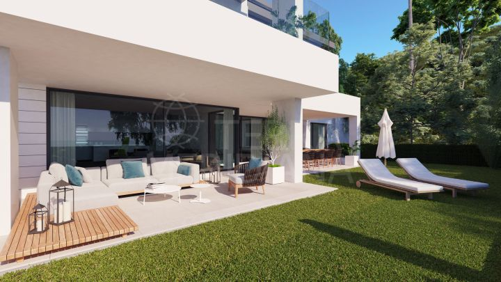 Contemporary ground floor apartment with private garden for sale in Aqualina Residences, Benahavis