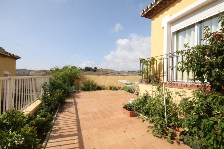 Large townhouse for sale in Estepona centre, with large patio and 4 bedrooms, close to all amenities