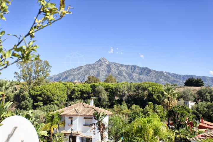 Beautiful duplex penthouse walking distance to Puerto Banús for sale in Los Toreros, Nueva Andalucia