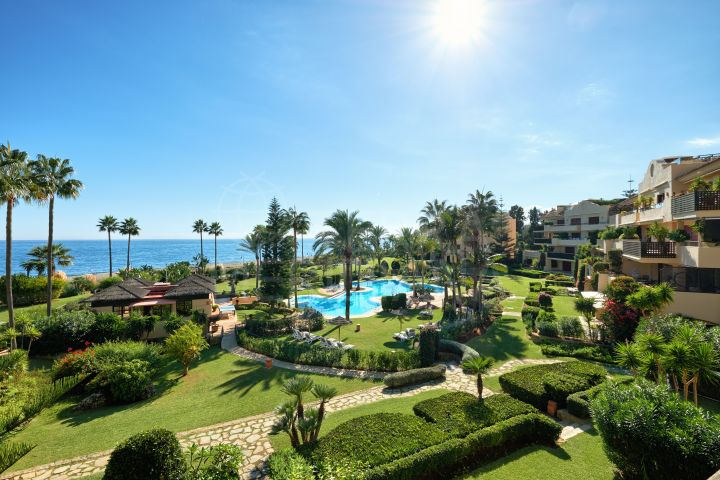 Recently renovated south facing beachfront luxury apartment for sale in Costalita del Mar, New Golden Mile, Estepona