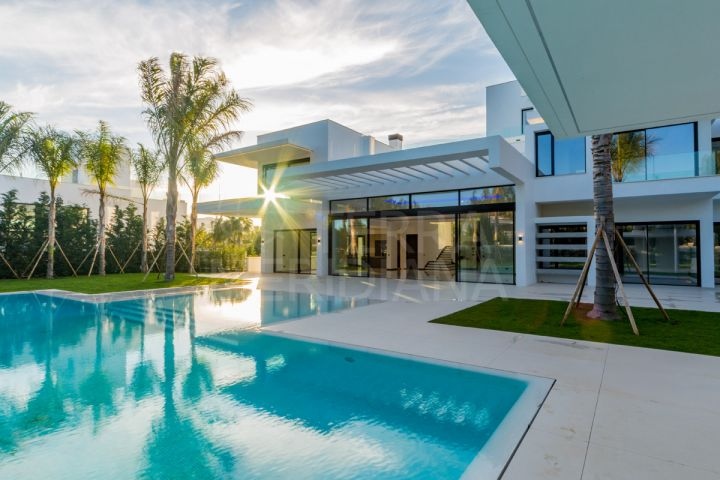 Brand new villa for sale in the prestigious beachside complex of Guadalmina Baja, Marbella