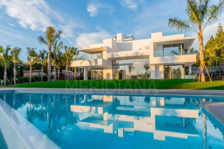 Off plan modern villa for sale in the seafront area of Guadalmina Baja, San Pedro de Alcantara