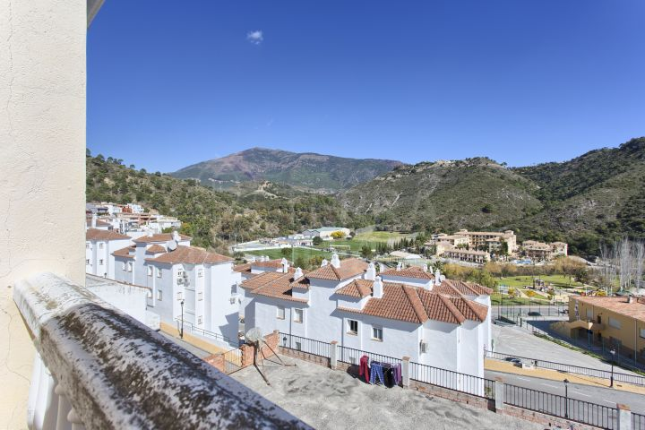 Spacious townhouse with panoramic views for sale in the heart of Benahavis town centre