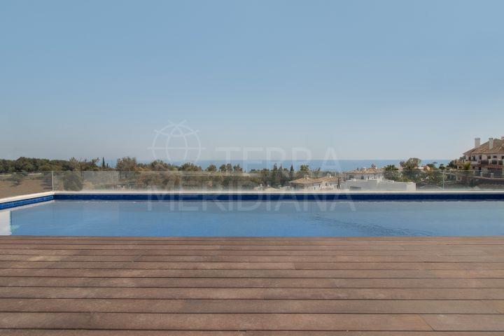 Brand new contemporary apartment with private pool for sale in Señorio de Marbella, Golden Mile