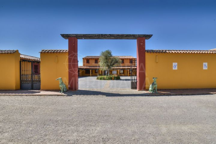 One of a kind estate with equestrian facilities for sale in Casares