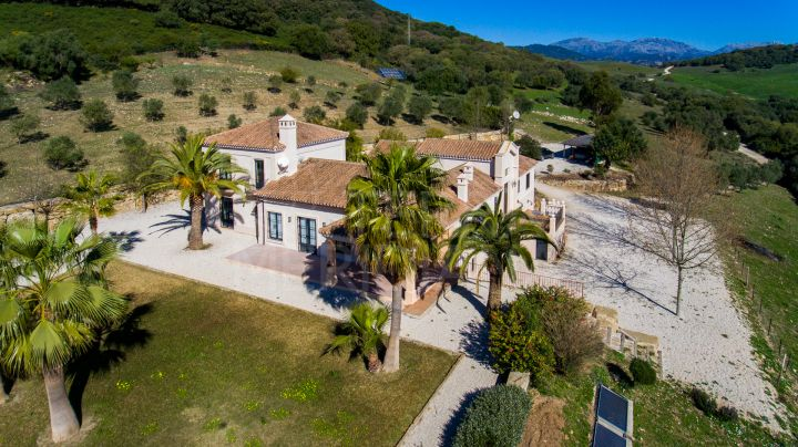 Magnificent country villa with breathtaking taking views for sale in Gaucin, Málaga