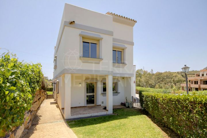 Frontline Golf 3 bedroom townhouse with sea views for sale in Estepona Golf