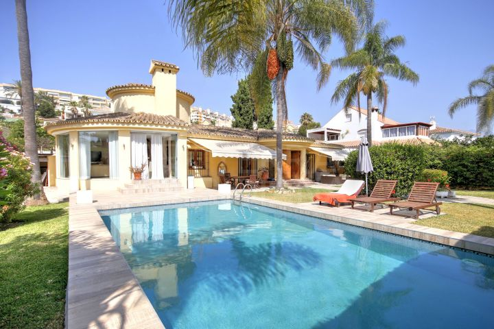 Beautiful 4 bedroom for sale in prime Nueva Andalucia location