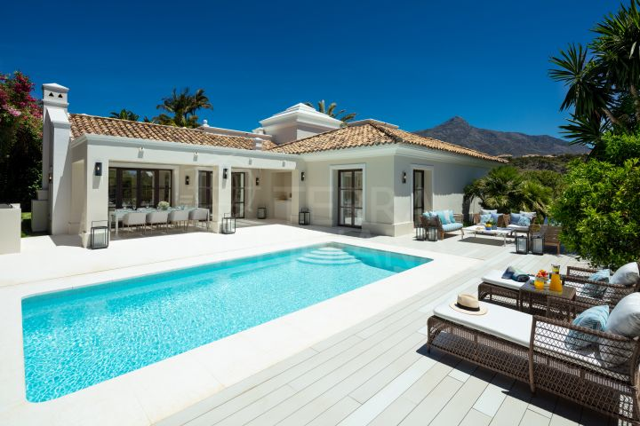 Refurbished villa with mountain views for sale in Las Brisas, Nueva Andalucia, Marbella