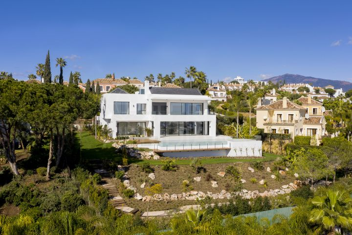 One-of-a-kind new build luxury villa with sea views for sale in Paraiso Medio, Estepona