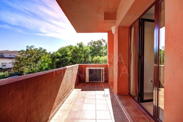 Comfortable 2 bedroom apartment for sale in Estepona