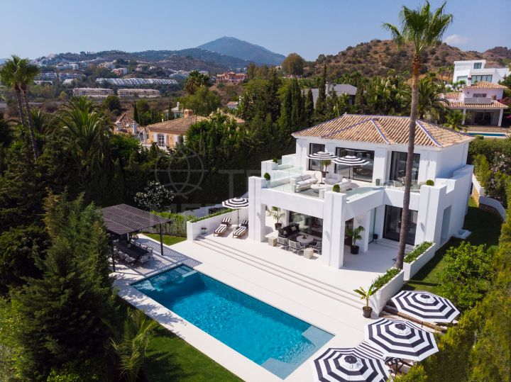 Fabulous new villa with premier golf and sea views for sale in Los Naranjos, Nueva Andalucia, Marbella
