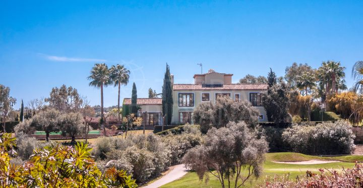 Frontline golf villa for sale in Almenara, Sotogrande