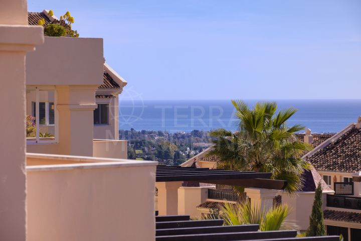 Refurbished apartment for sale in Albatross Hill, Nueva Andalucia, Marbella