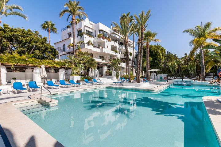 Upgraded luxury 3 bedroom apartment a short stroll from the beach for sale in La Isla, Puerto Banus, Marbella