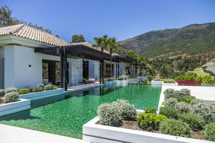 Front line Golf stunning new contemporary villa for sale in La Zagaleta, Benahavis