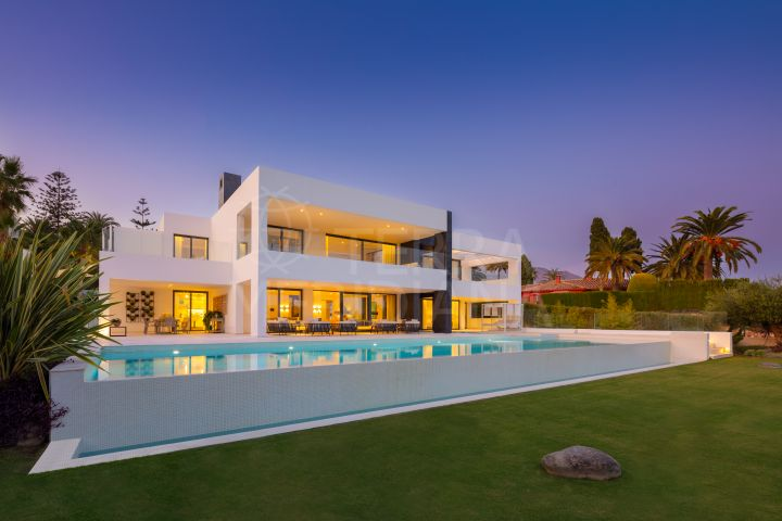 Brand new villa with golf and sea views for sale in La Cerquilla, Nueva Andalucia, Marbella