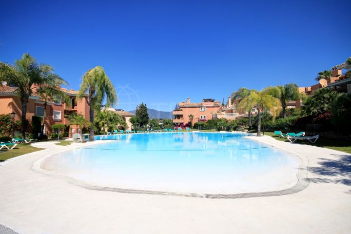 Ground Floor two bedrooom apartment for sale in the New Golden Mile, Estepona