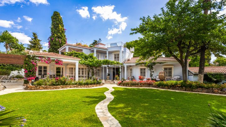 One of a kind luxury villa in a class all its own for sale in prime La Merced, Marbella centre