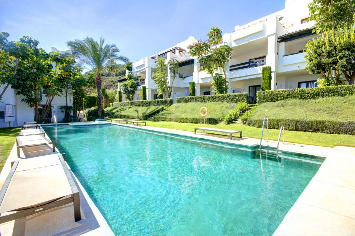 Luxury 2 Bedroom apartment for sale in Altos de Cortesin, Casares