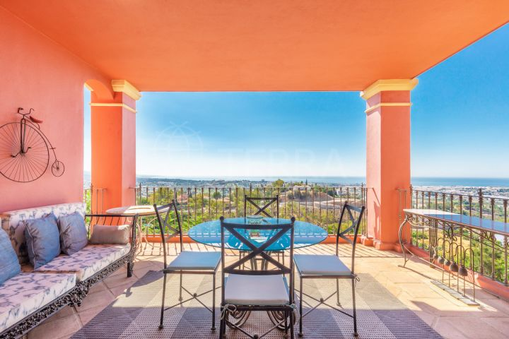 Elevated ground floor luxury apartment with remarkable coastal views for sale in privileged Monte Halcones, Benahavis
