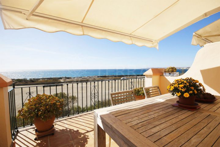 Large townhouse for sale in Belgravia Club, front line beach in Estepona port