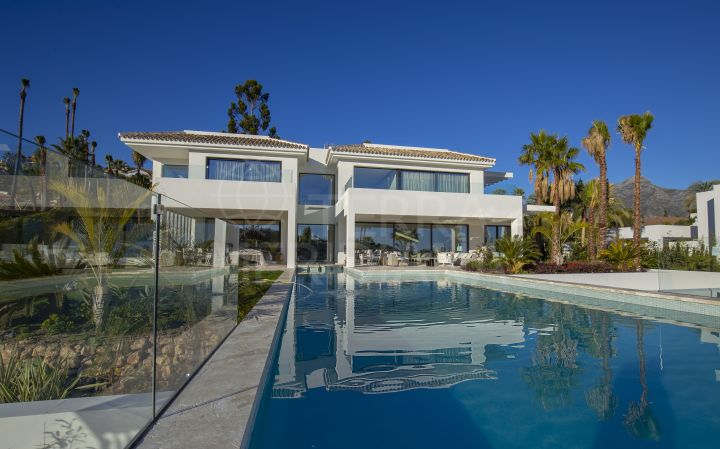 New luxury villa for sale in La Cerquilla, Nueva Andalucia