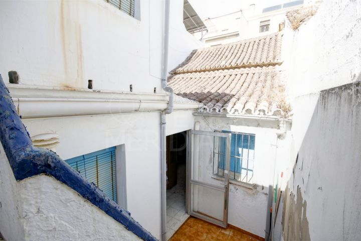 Charming property for sale, to renovate in the old town of Estepona