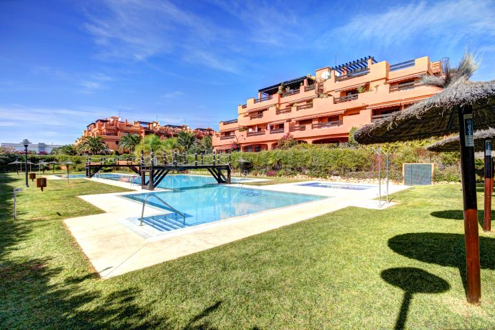 Superb 2 bedroom Ground Floor Apartment for sale in Playa del Angel, Estepona