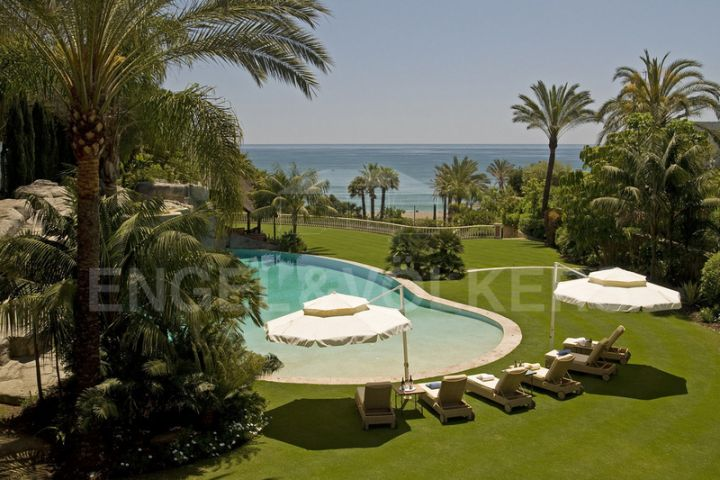 Villa in Beach Side Golden Mile, Marbella Golden Mile