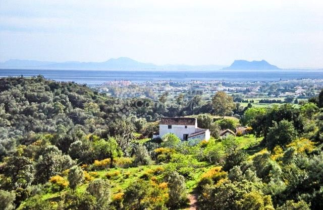 Estepona, A 171,263m2 Private estate with elevated panoramic sea views in EStepona