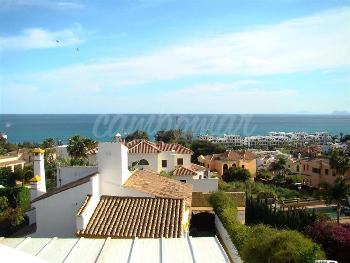 Estepona, Villa available in the popular Seghers, Estepona area