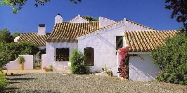 Estepona, BEAUTIFUL FINCA IN ESTEPONA