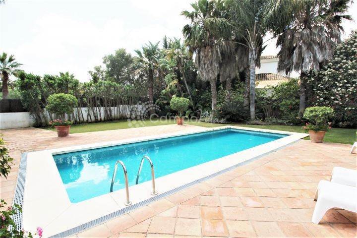 Sotogrande, Super family villa for sale in the prestigious Sotogrande Costa area