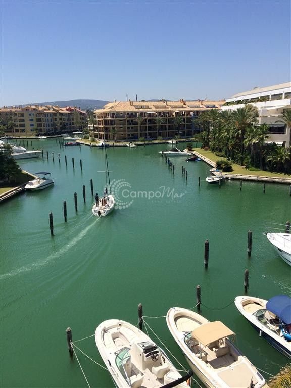 Sotogrande, Penthouse apartment available in Sotogrande