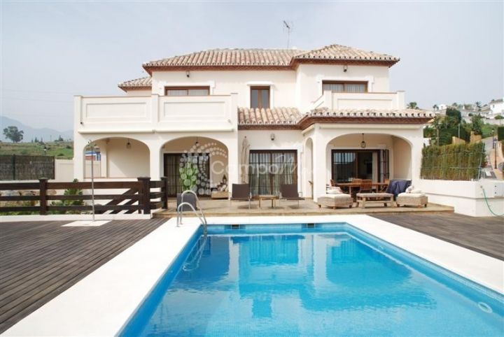 Estepona, GREAT VILLA SITUATED IN SEGHERS