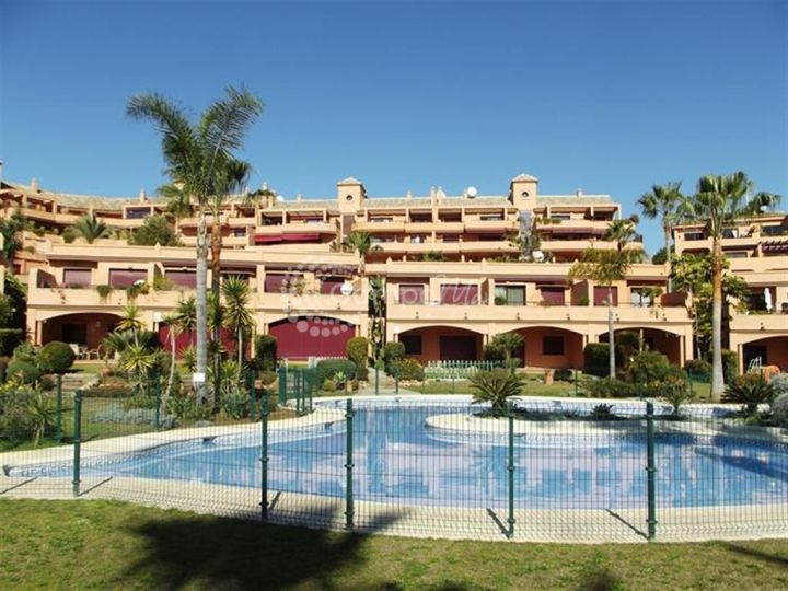 Estepona, Luxury beachfront apartment in Estepona